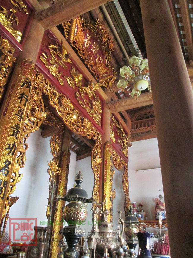 Nội thất 3 gian nhà thờ họ Dương