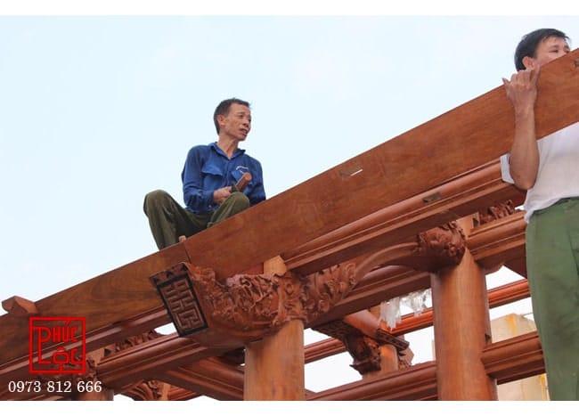 Thợ mộc Chàng Sơn thi công công trình nhà gỗ 3 gian Lim Lào