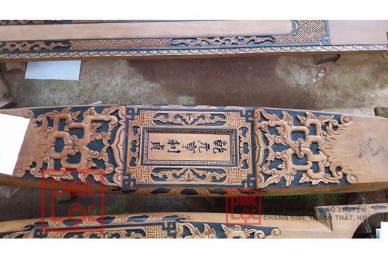 Hoa văn chạm khắc trên câu đầu nhà gỗ cổ truyền