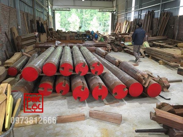 Cột nhà sau khi hoàn thiện xong và chuẩn bị đi dựng