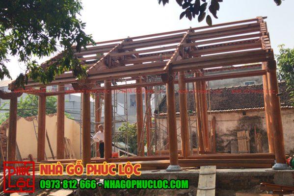 Nhà gỗ lim 3 gian 18 cột