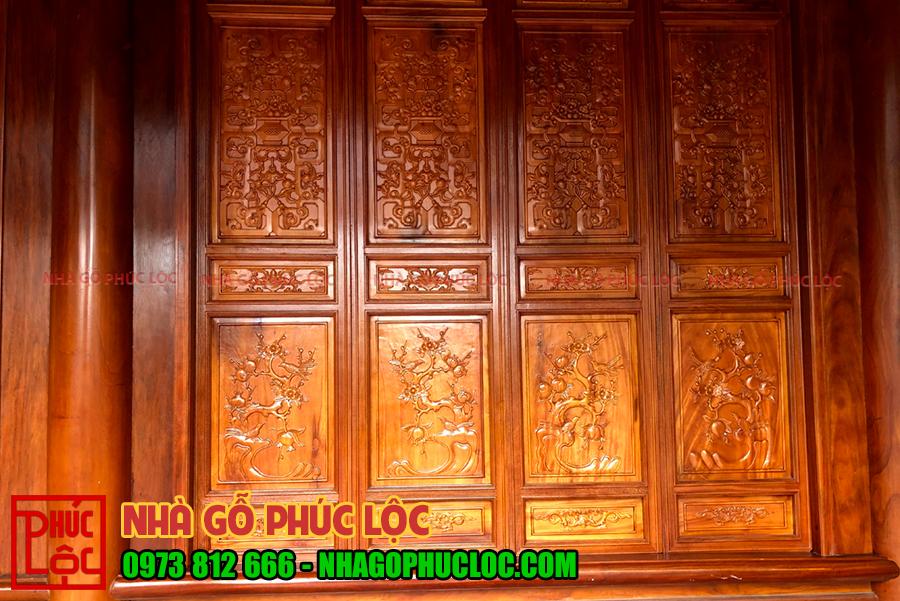 Cửa bức bàn làm kiểu Pano được chạm khắc Mai, lựu