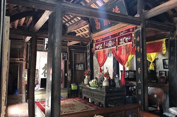Phần nội thất bên trong ngôi nhà gỗ ngày xưa ( Ảnh: nguồn internet)