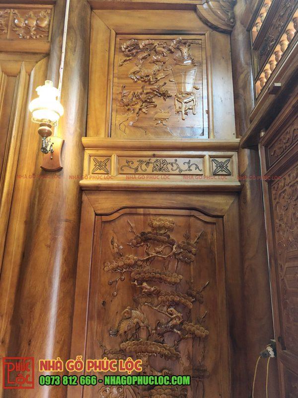 Hình ảnh hai bức lách nhà gỗ 3 gian được chạm trổ tinh xảo