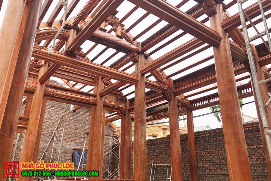 Lắp dựng nhà gỗ lim