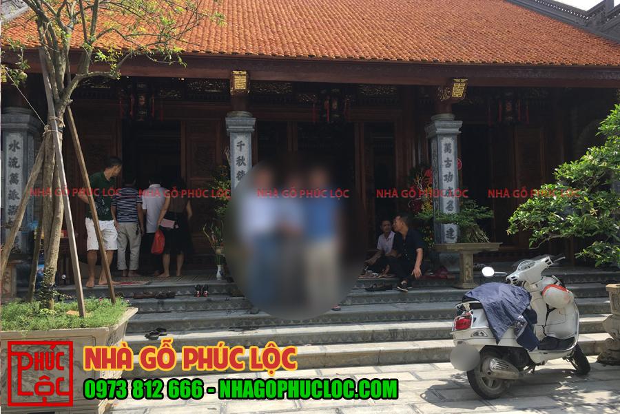 Hình ảnh tổng thể phía bên ngoài nhà gỗ lim 3 gian