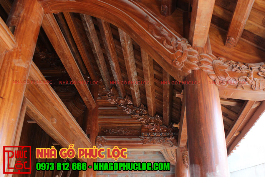 Kẻ hiên của nhà gỗ lim 3 gian cổ truyền