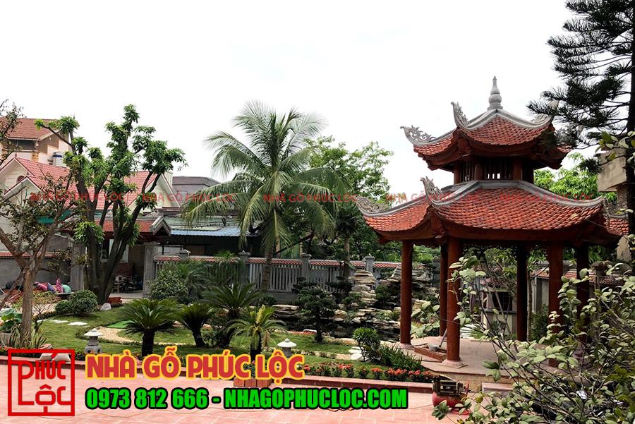 Toàn cảnh phần sân vườn của nhà gỗ lim 5 gian