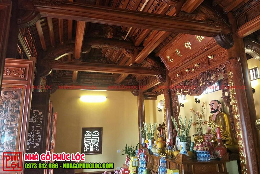 Bên trong ngôi nhà gỗ 3 gian 2 dĩ truyền thống