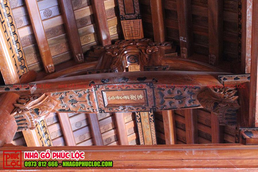 Câu đầu của nhà gỗ lim truyền thống