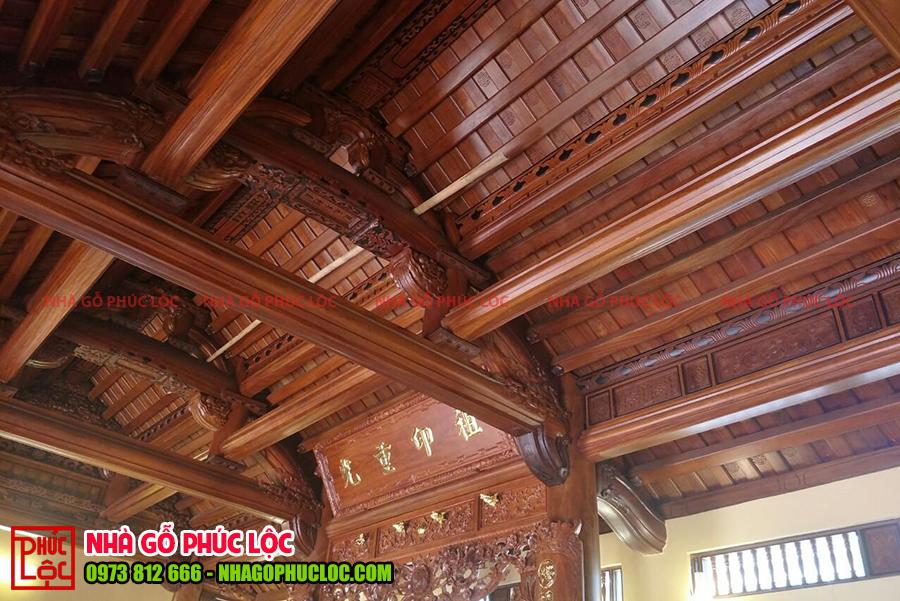 Câu đầu và xà của nhà gỗ cổ truyền