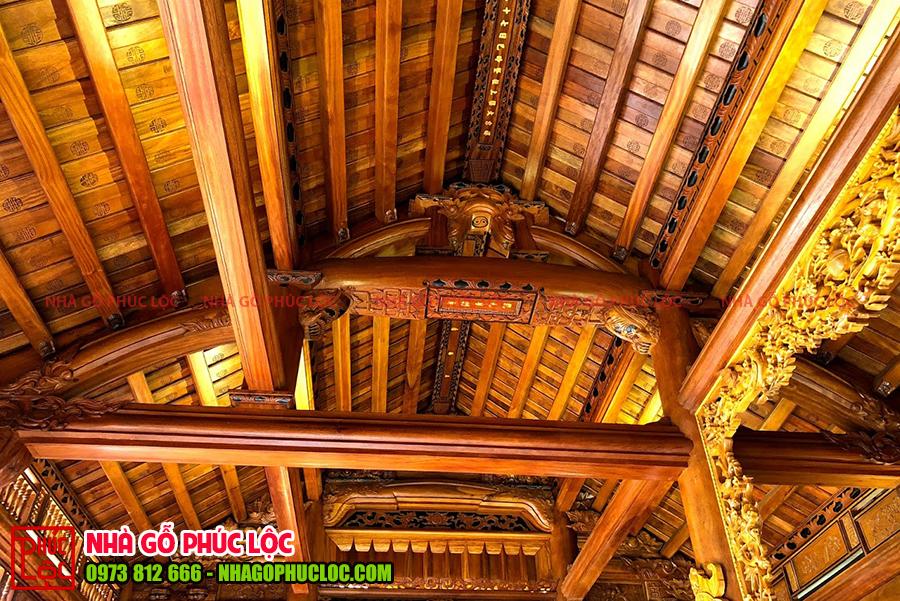 Hình ảnh câu đầu và thượng lương của nhà gỗ lim