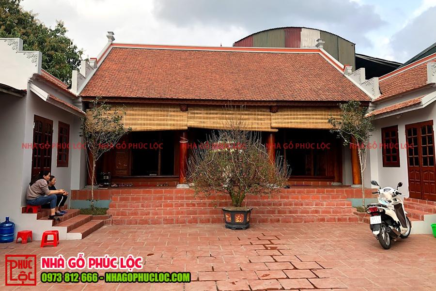 Hình ảnh nhà gỗ mít 3 gian kết hợp với 2 nhà ngang
