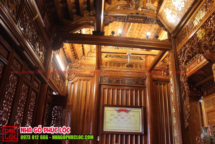 Bên trong ngôi nhà gỗ 3 gian tại Hưng Yên