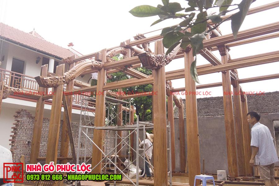 Phần khung nhà được lắp dựng cơ bản