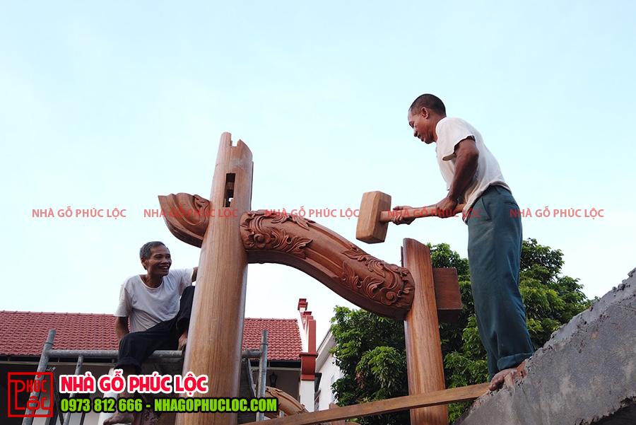 Các cột nhà đầu tiên được dựng lên