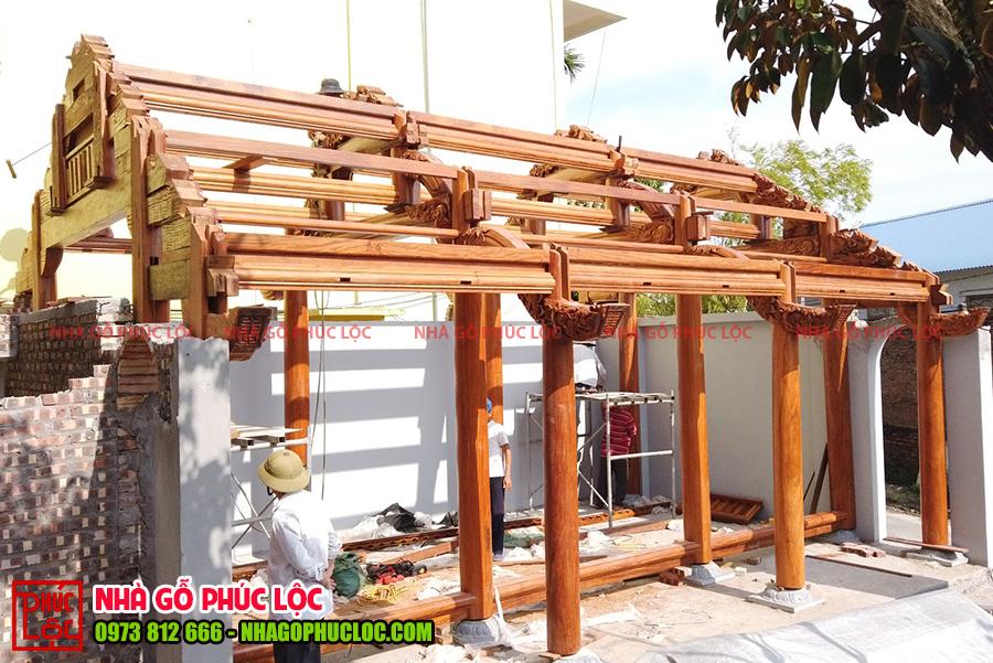 Khung nhà cơ bản được hoàn chỉnh để chuẩn bị cất nóc