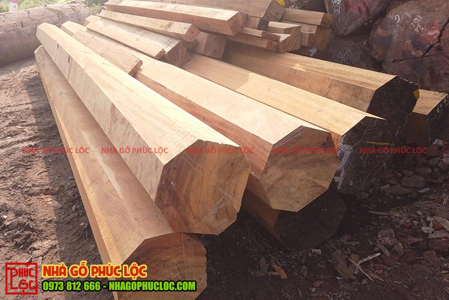 Các cột gỗ được cưa xẻ theo đúng tiêu chuẩn