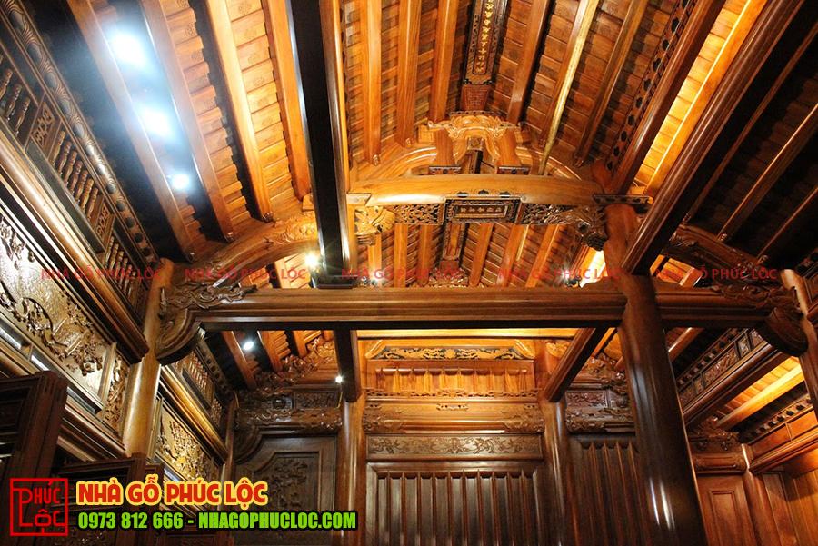 Bên trong căn nhà gỗ 5 gian cổ truyền
