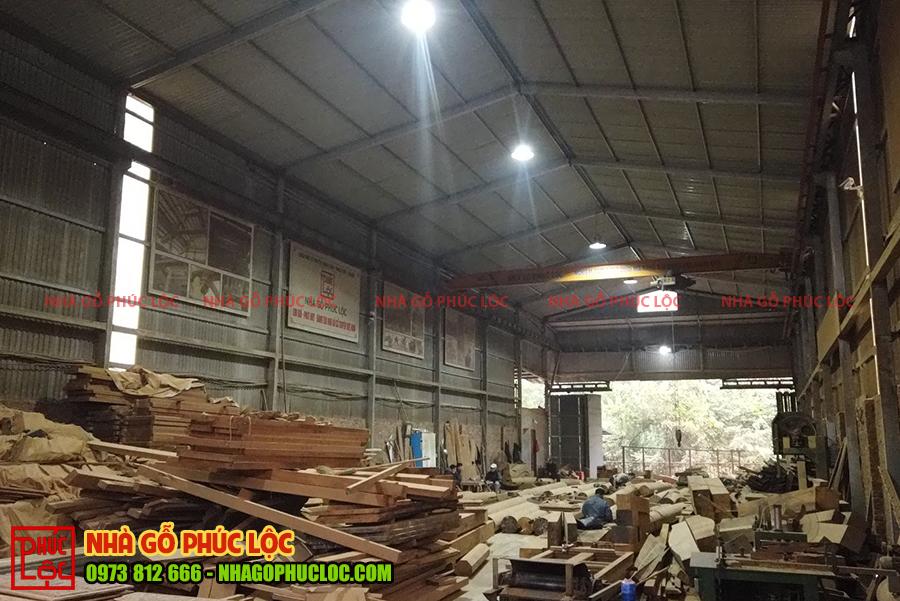 Toàn cảnh xưởng nhà gỗ Phúc Lộc