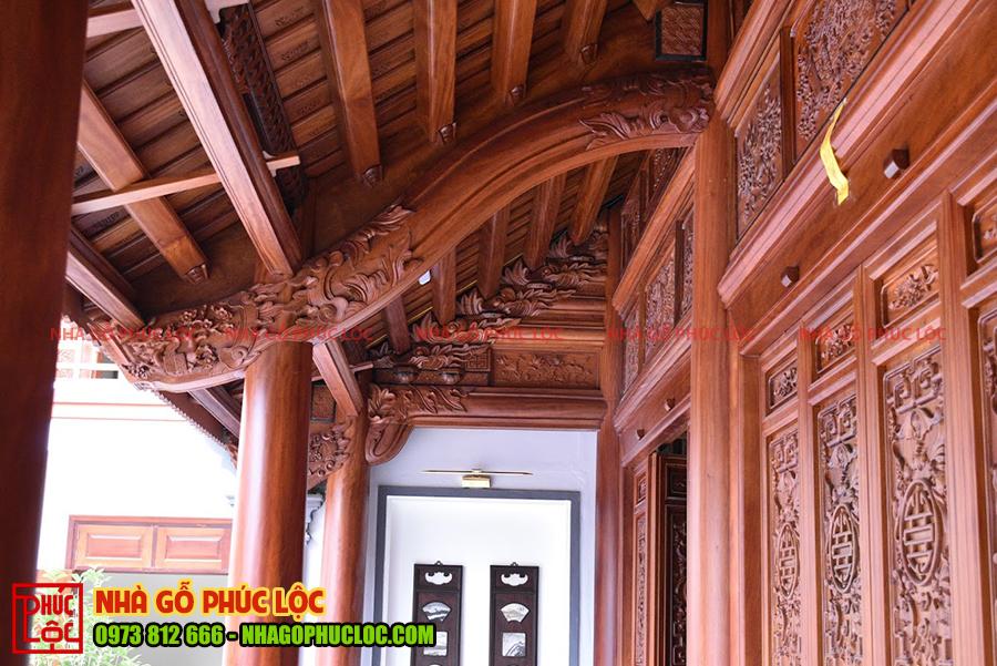 Phần hiên nhà gỗ 3 gian