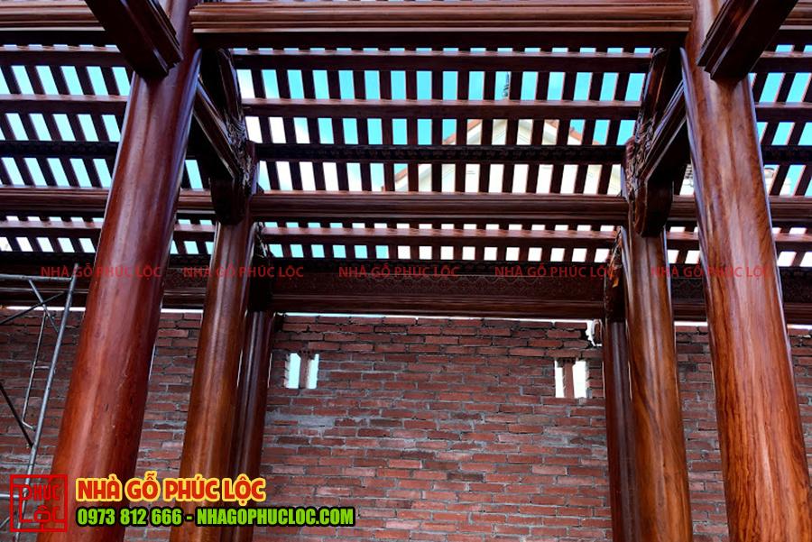 Hình ảnh kết cấu phần mái gian giữa ngôi nhà