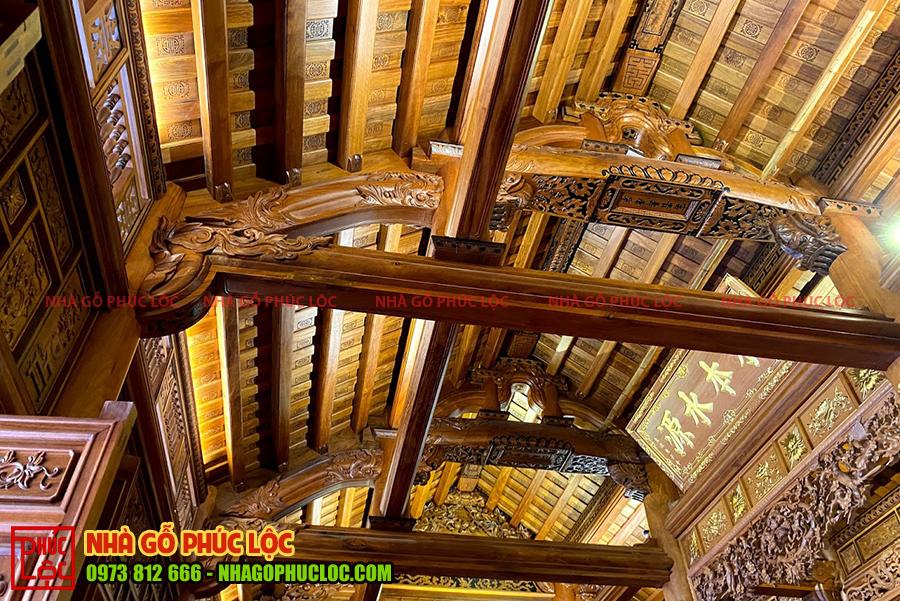 Phần nóc nhà gỗ cổ truyền