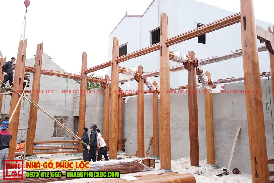 Hình ảnh lắp dựng nhà gỗ Bắc Bộ