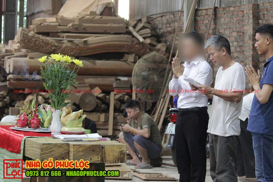 Hình ảnh cúng trong nghi lễ phạt mộc