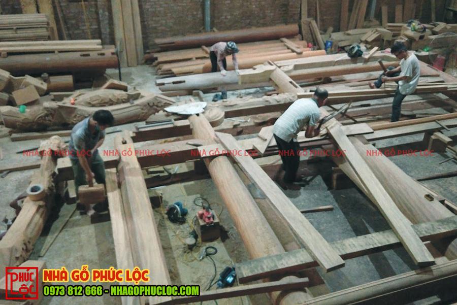 Toàn cảnh xàm đóng khung nhà gỗ 5 gian