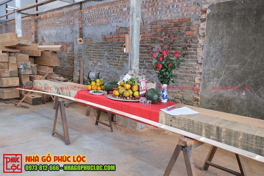 Mâm lễ cúng phạt mộc của nhà gỗ 3 gian 18 cột