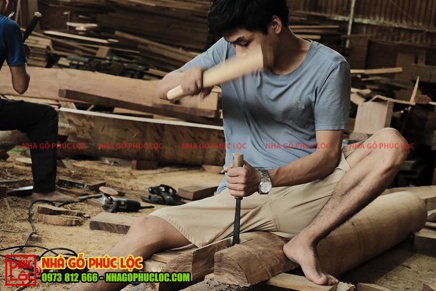 Trực tiếp xàm đóng công trình nhà gỗ 5 gian