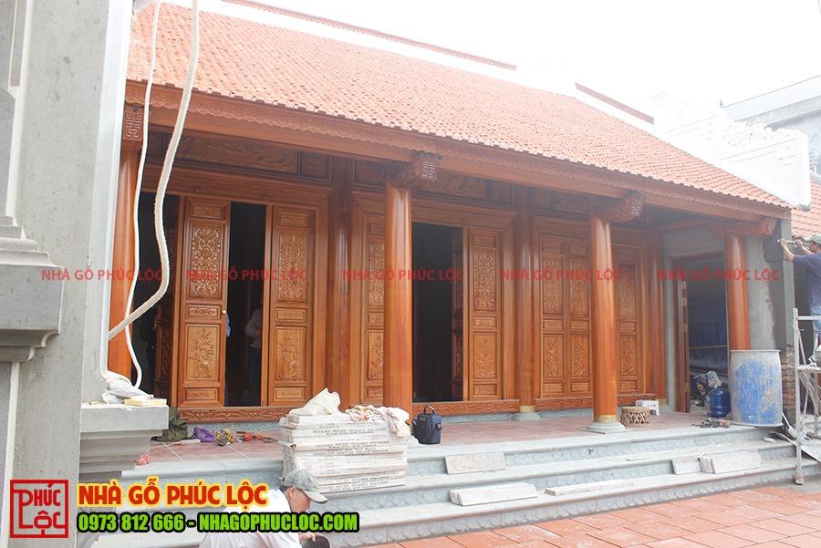 Căn nhà gỗ gõ đỏ 3 gian