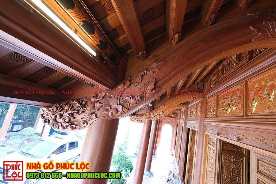 Phần hiên nhà gỗ 5 gian