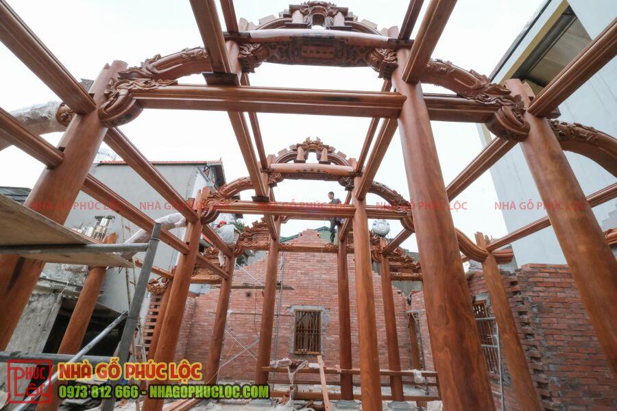 Phần khung bên trong nhà gỗ cổ truyền