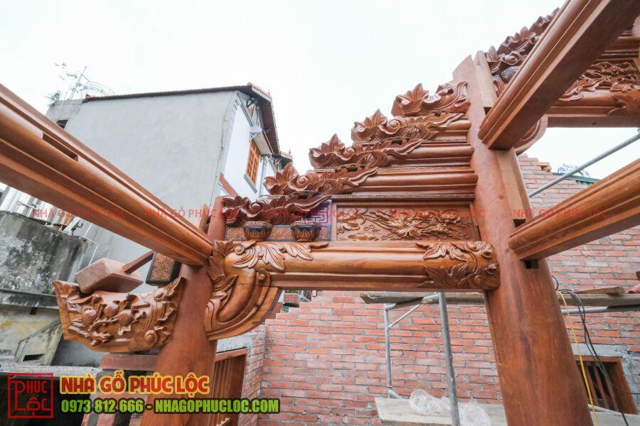 Phần vì đốc hiên nhà gỗ