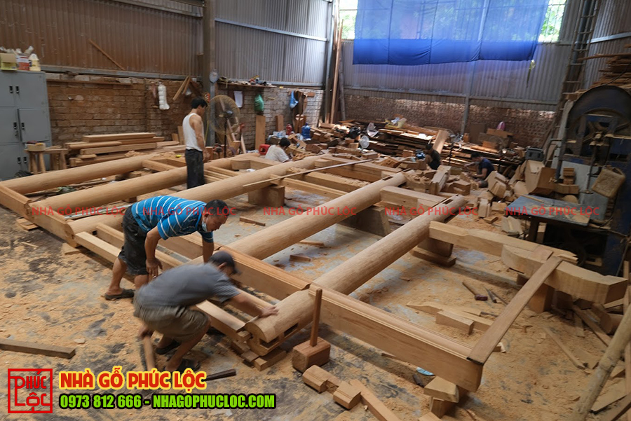 Toàn cảnh xàm đóng tại xưởng nhà gỗ Phúc Lộc