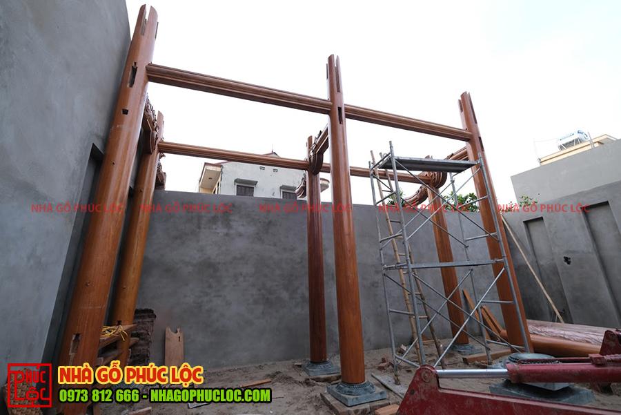 Hình ảnh lắp dựng khung xà nhà gỗ 3 gian