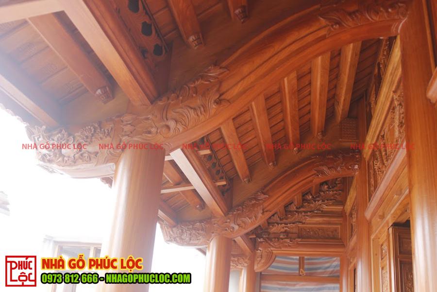 Kẻ hiên nhà gỗ
