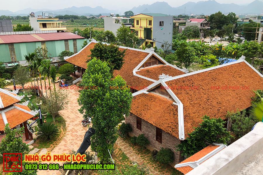 Quần thể nhà gỗ sân vườn 5 gian