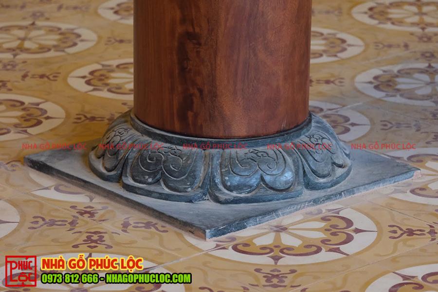 Hoa văn độc đáo được chạm khắc trên đá kê cột